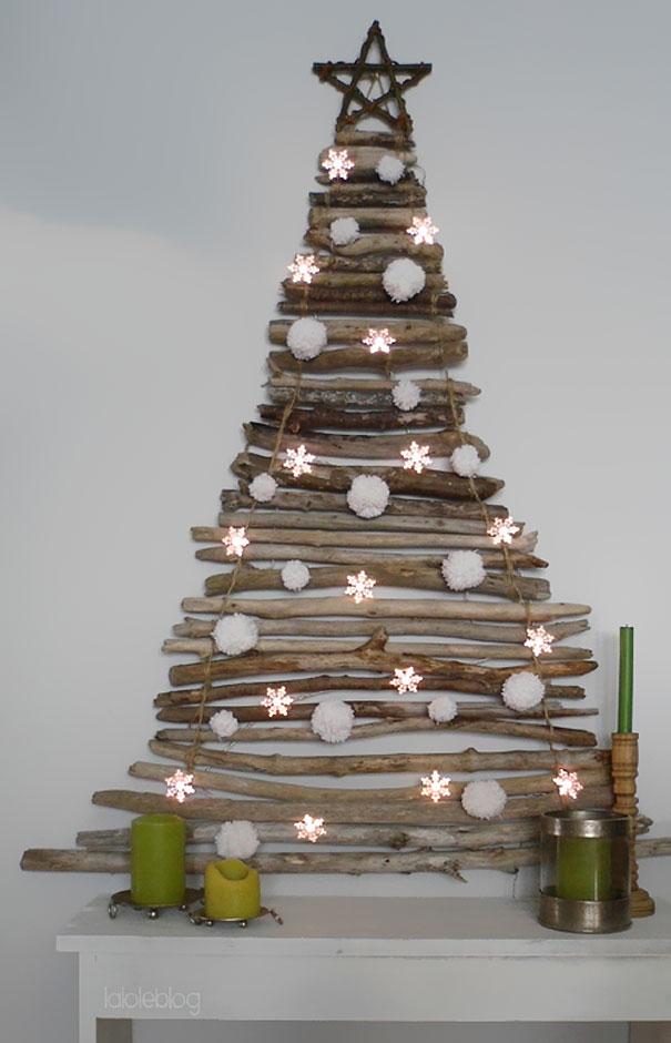 Новогодняя елка из дров