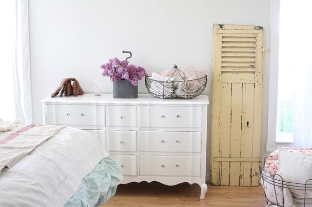 декор спальни в стиле шебби шик