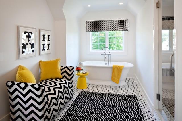 яркие акценты в дизайне черно-белой ванной комнаты