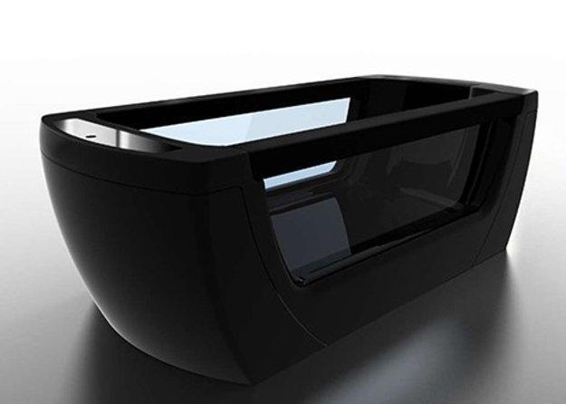 черная ванна с прозрачными стенками