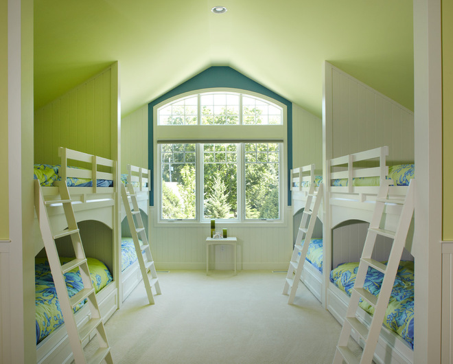 Потолок зеленого цвета