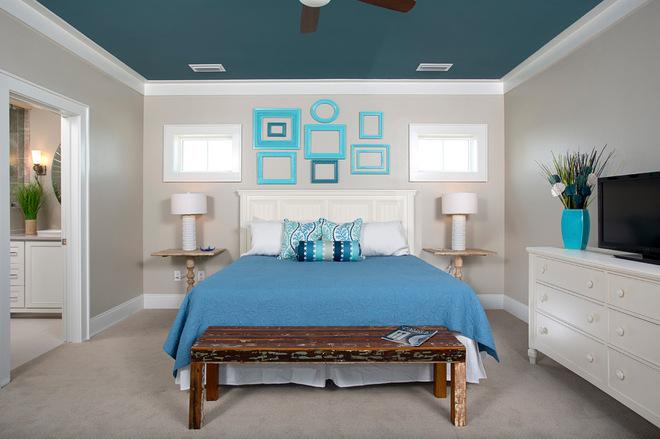 Голубой цвет потолка
