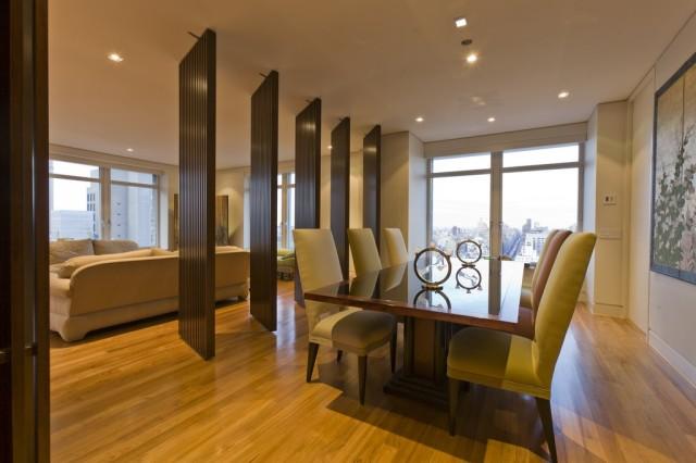 интерьер гостиной совмещенной со столовой