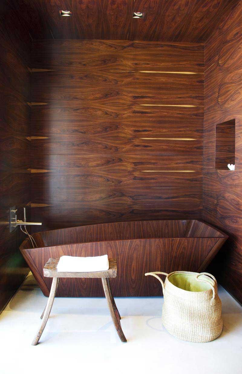 ванная из дерева на фото 18