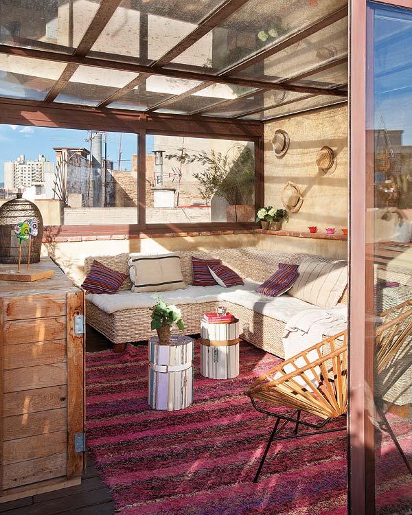 Очаровательная двухэтажная квартира в Барселоне