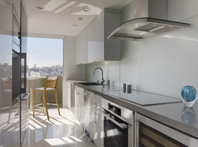 интерьер кухни трехкомнатной квартиры