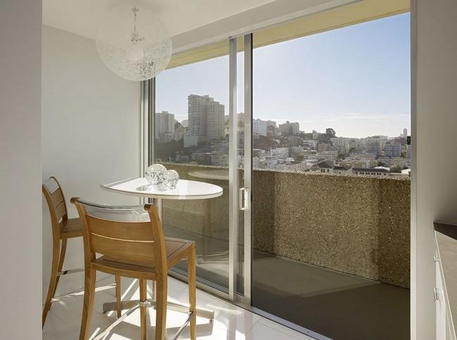 Балкон с раздвижной дверью