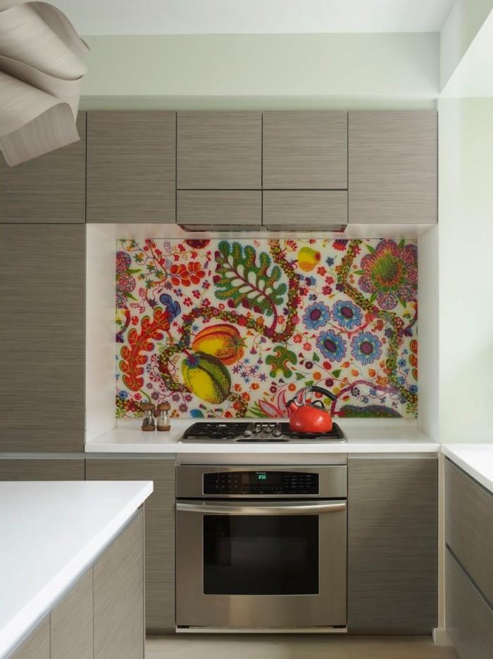 Стеклянный фартук для кухни с красивым орнаментом