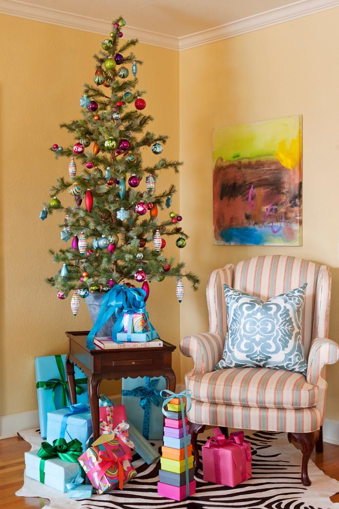Новогодний интерьер - украшение елки