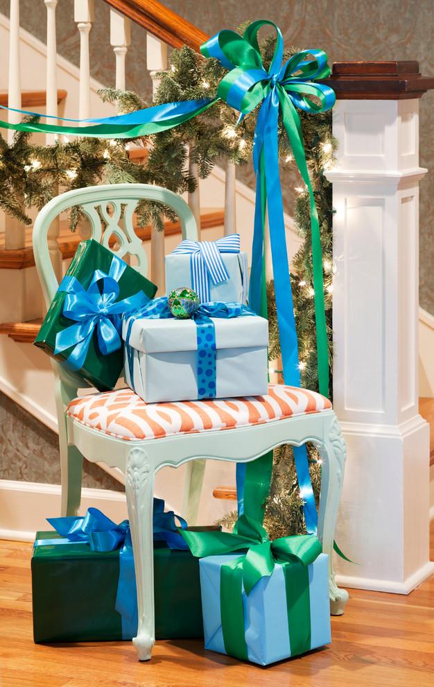 Новогодний интерьер - украшение дома в снежно-синей гамме