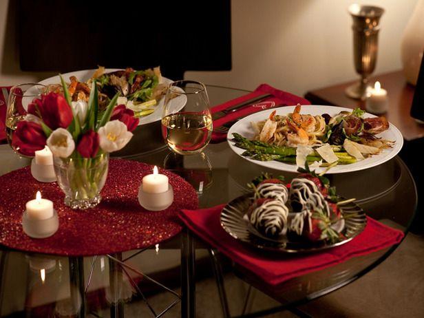 Украшение стола для романтического вечера