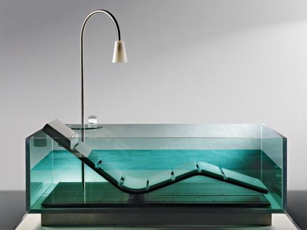 Стеклянная ванна производства Hoesch