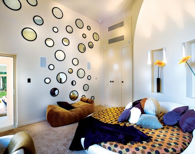 Круглая кровать - изюминка вашей спальни