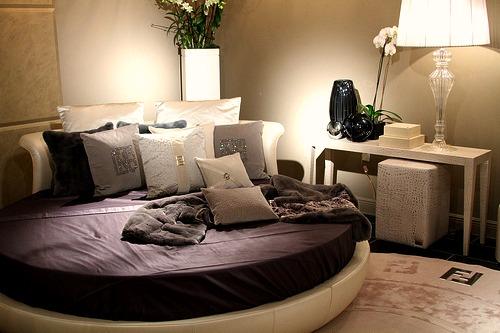 Круглая кровать – изюминка (3)