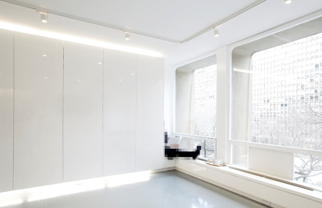 Двухкомнатная квартира белая гостиная
