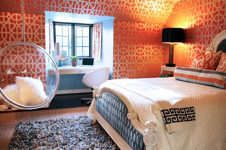 Спальня с подвесным креслом 13