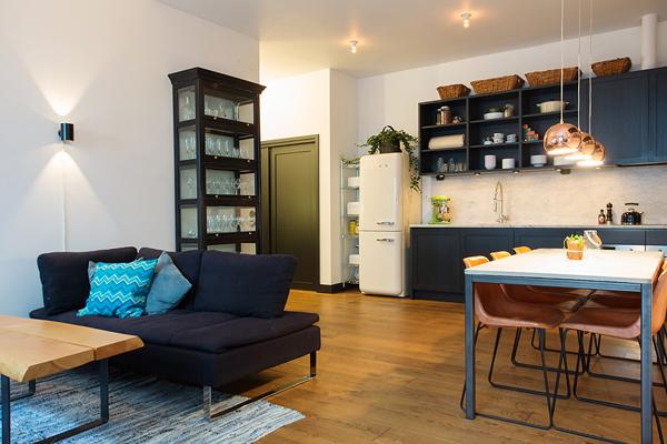Kungsholmen Modern Apartment-05-1 Kindesign