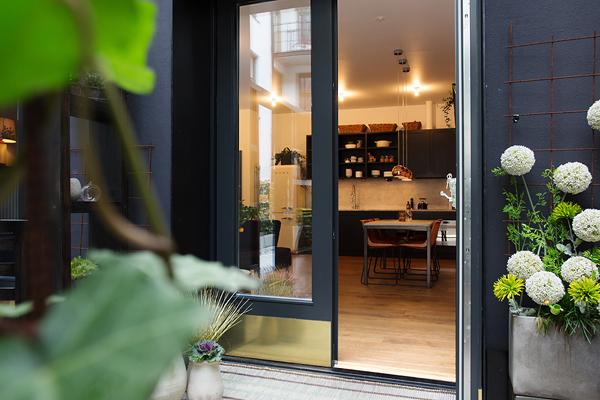 Kungsholmen Modern Apartment-02-1 Kindesign