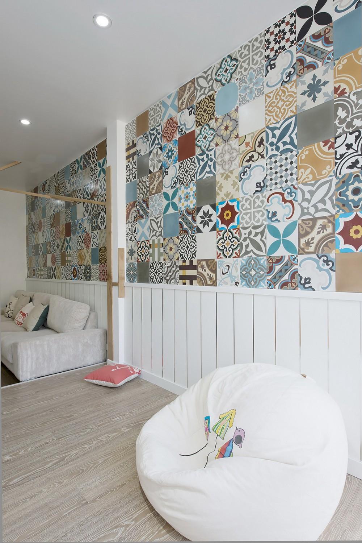 оформление стен в уютной квартире
