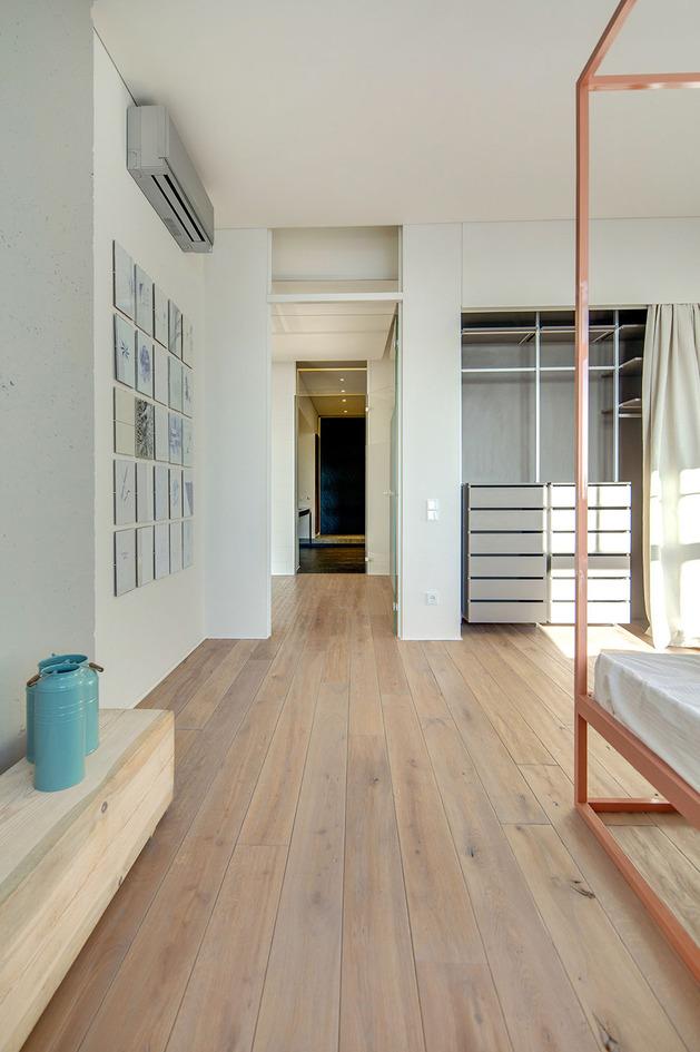 Дизайнерский ремонт квартиры фото (16)