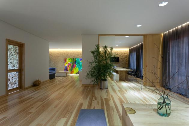 Эко интерьер квартиры с открытой планировкой (26)