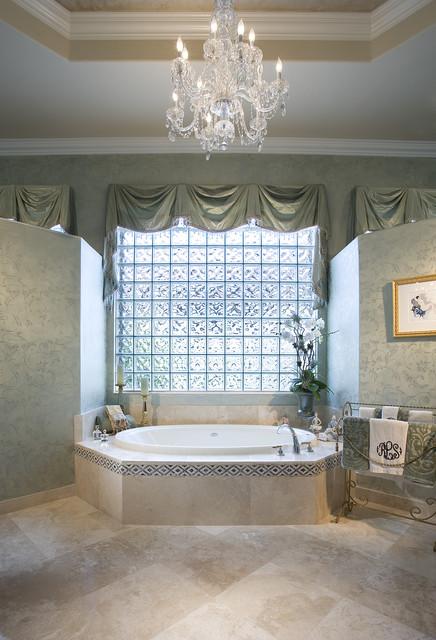 Окно в ванной комнате фото (4)