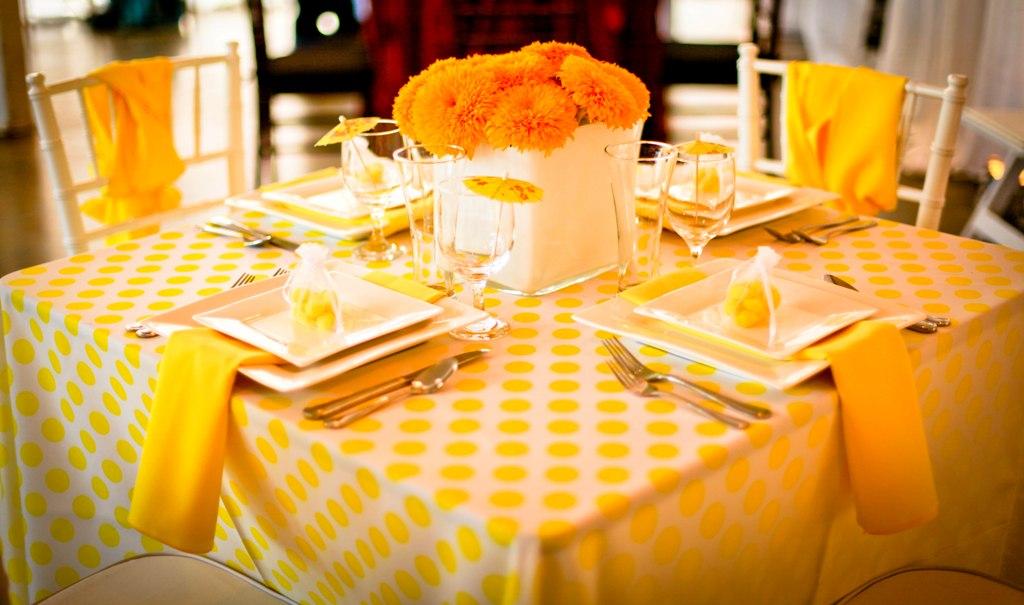 Kak-ukrasit-stol-na-den-rozhdeniya-----dekor-i-servirovka 2