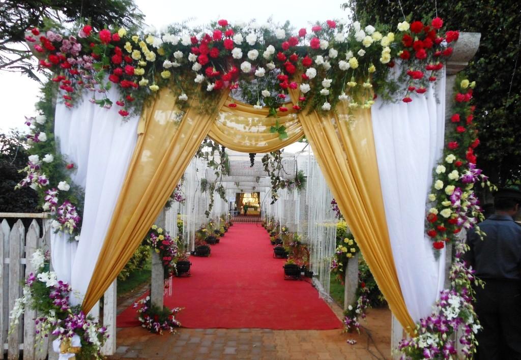 Ukrashenie-zala-na-svadbu-----magiya-dekora 7