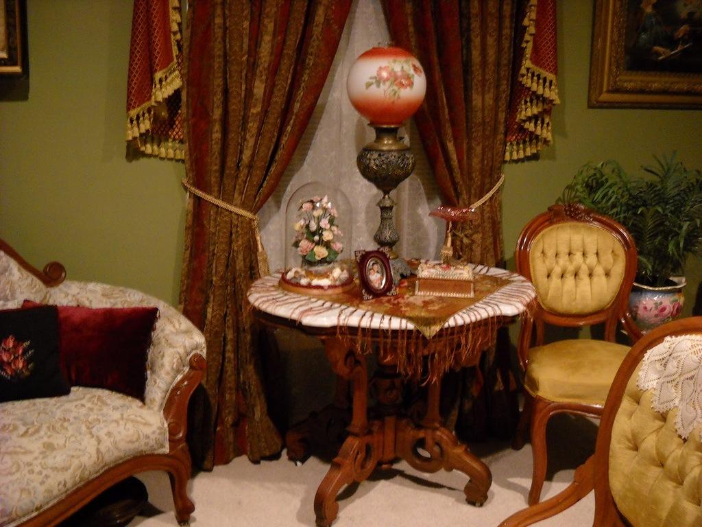 Viktorianskiy-stil-v-interere-----roskosh-na-grani-e`kstaza 9