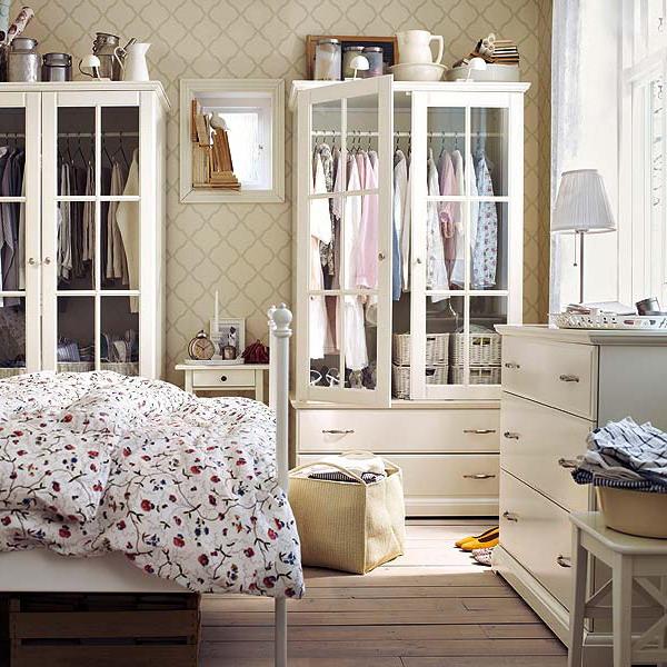 Oformlenie-spalni--12-idey-dlya-teh--kto-hochet-ratsionalno-organizovat-prostranstvo 15
