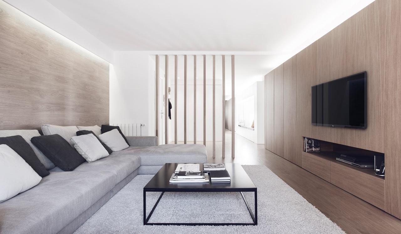 Изысканный интерьер испанской квартиры в белых и древесных тонах